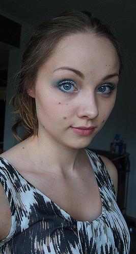 Äidin meikkipussilla: sinisen paluu!