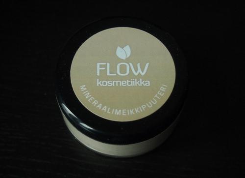 Arvio: Flow Kosmetiikka Mineraalimeikkipuuteri