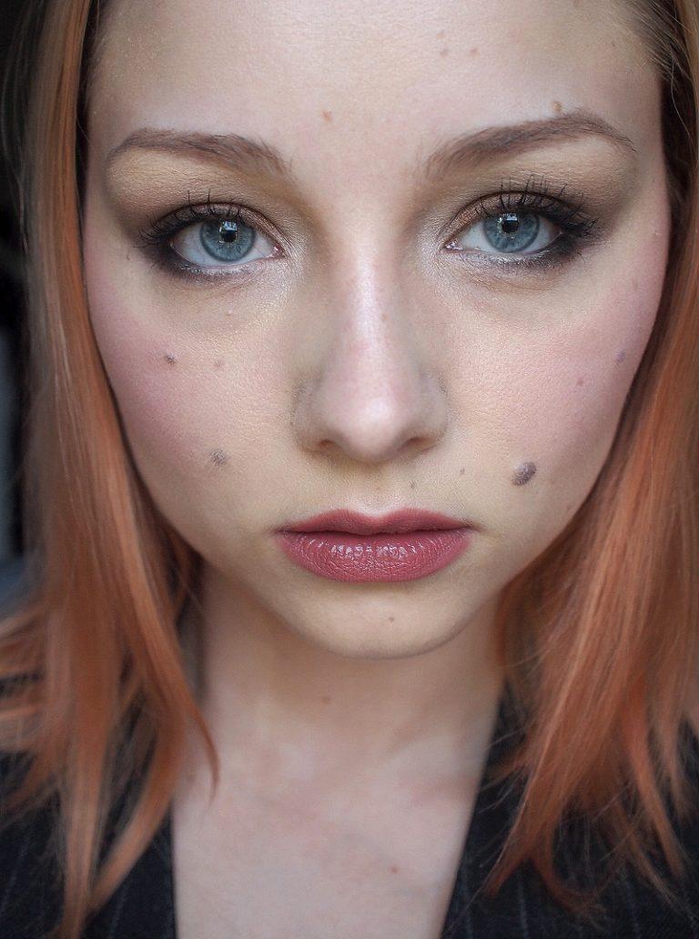 Välimallin meikki