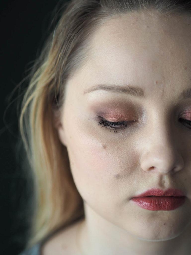 Punakuparinen MAC-meikki